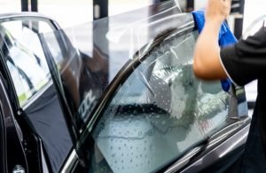 ADVANTAGES OF HIRING A SPECIALIST FOR YOUR WINDOW TINT